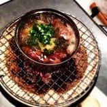 七輪で食べる魚介のオイル煮