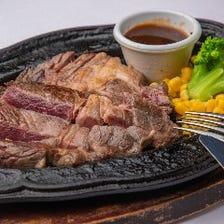 シェフこだわりの肉料理も充実!