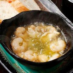 海老とツブ貝のガーリックオイル煮