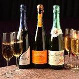 コンパコースご予約の方に、スパークリングワインをプレゼント♪
