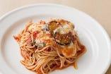 茄子とモッツァレラチーズのトマトソース ピザ職人風