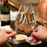鉄板焼きを待つ間の乾杯には、シャンパーニュで乾杯