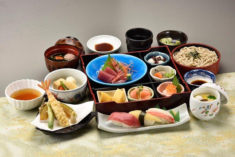 【充実・得々プラン】かえで ~お料理9品3000円(税抜)コース♪ 歓送迎会・お祝い・ご会食・法事・ママ会