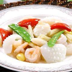 【広東名菜】ホタテ、いか、えびあっさり塩味炒め (清炒三鮮)