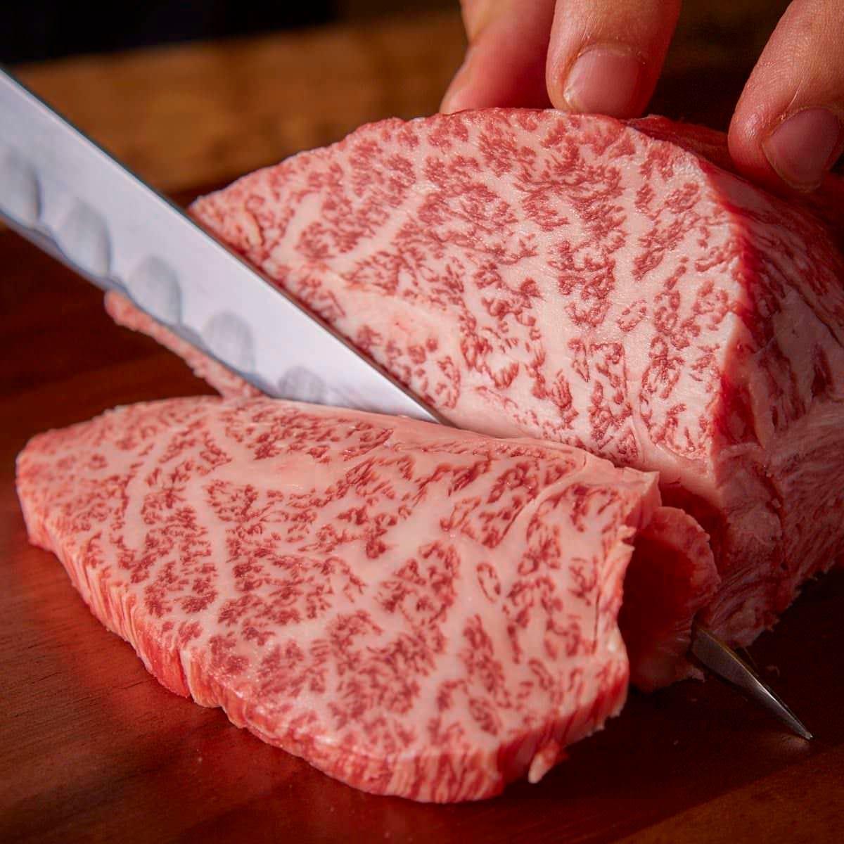 A5ランクの国産和牛など選りすぐりのお肉が食べ放題