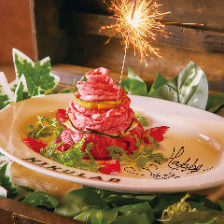 誕生日に◎肉ケーキプレート贈呈