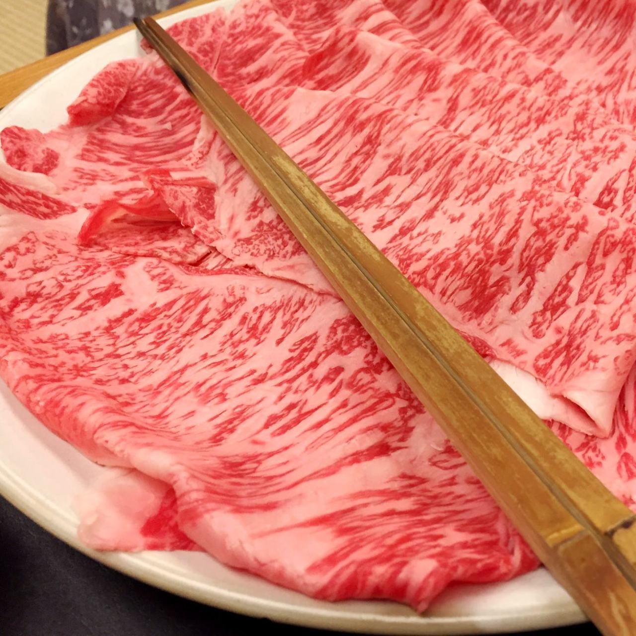 黒毛和牛霜降りしゃぶしゃぶ寿司刺身コース付・飲み放題6,000円