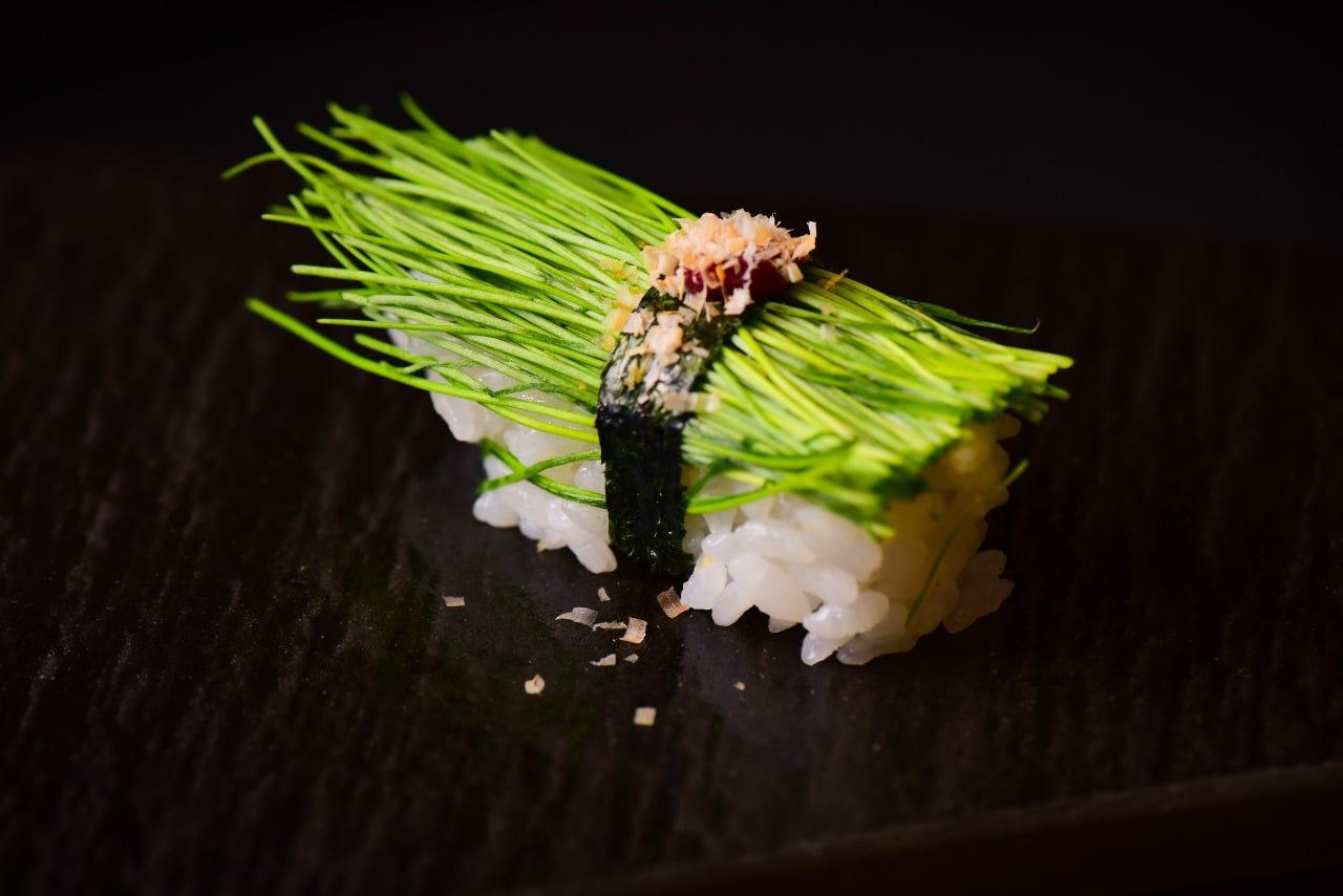 女性に大人気の芽ネギは特上寿司より入っています♪