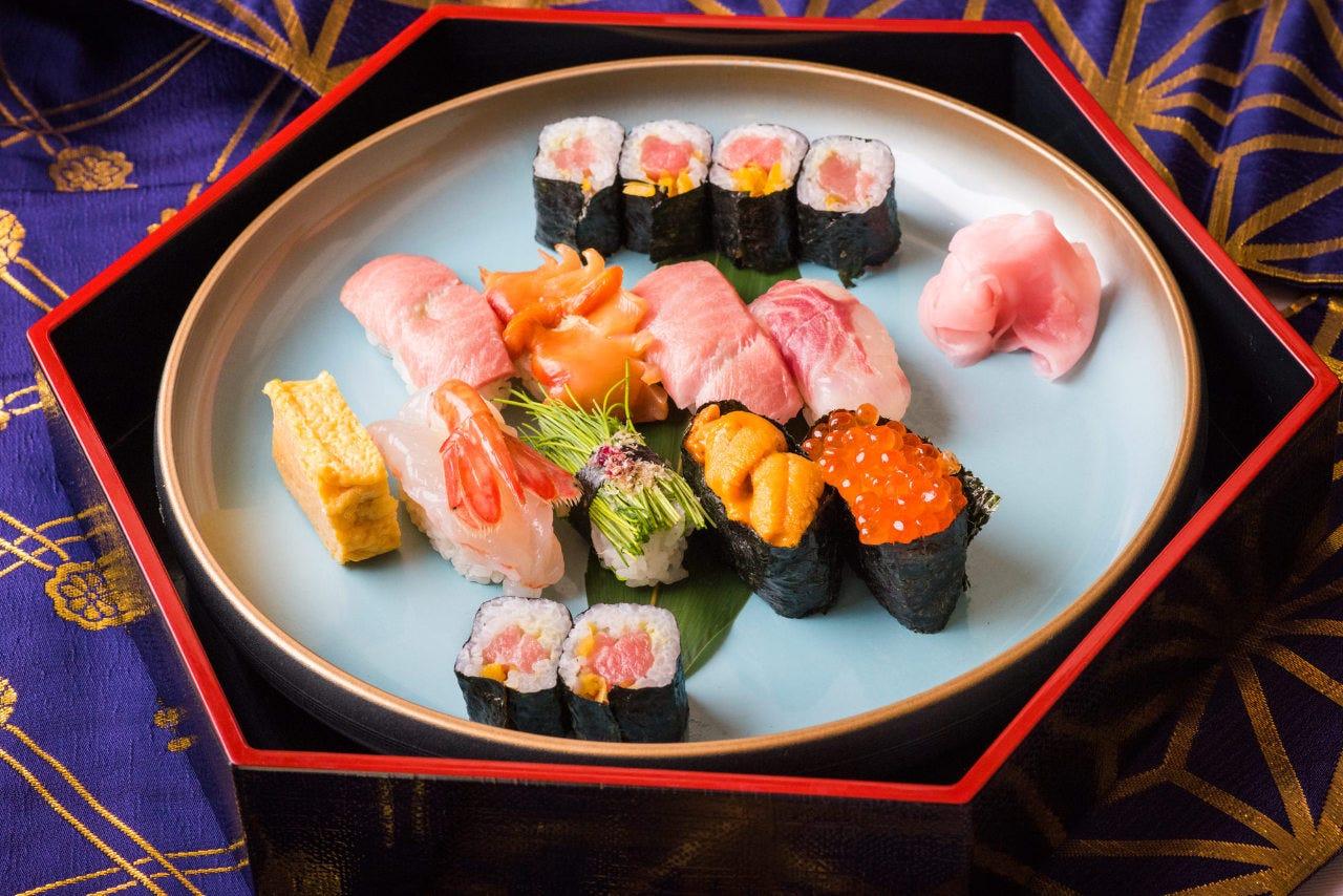 菊寿司大人気の特上寿司・特上寿司1.5人前がお薦めです♪