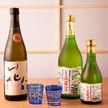 淡路島の千年一酒造で造られる当店オリジナル日本酒が好評です