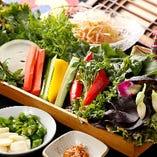 セットの野菜盛り合わせ