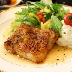 定番ランチ「鶏の香草焼き」