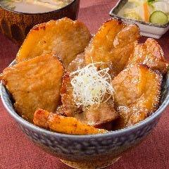 『北海道ぶた丼』…特製甘辛ダレの香ばしい香り♪