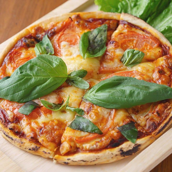 生地から手間暇をかけて作る絶品ピザ