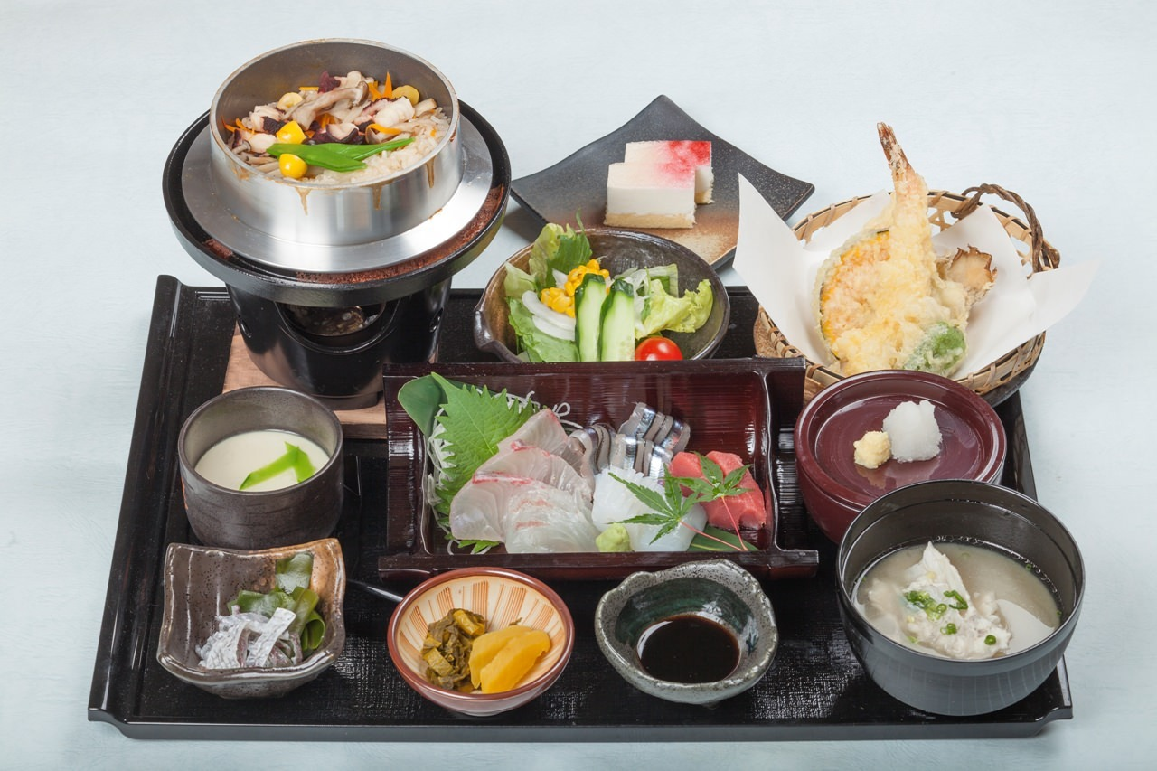 鮮魚・肉・そば 贅沢ランチ