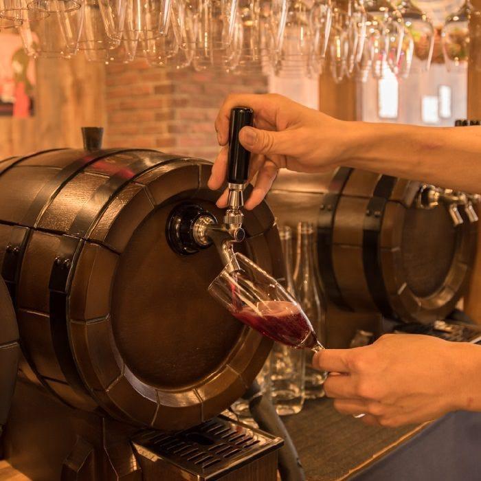 イタリア直送、樽生ワイン