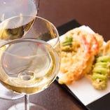 天ぷらコースに合う厳選されたワインをご用意しております。