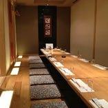 24名様迄、宴会可能な完全個室 対面でゆったりと座れる最大の宴会席