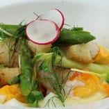 茹でアスパラガスとホタテのサラダ