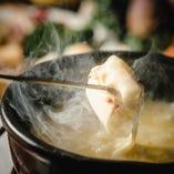 スイス産グリュイエールチーズとエメンタールチーズ【スイス】