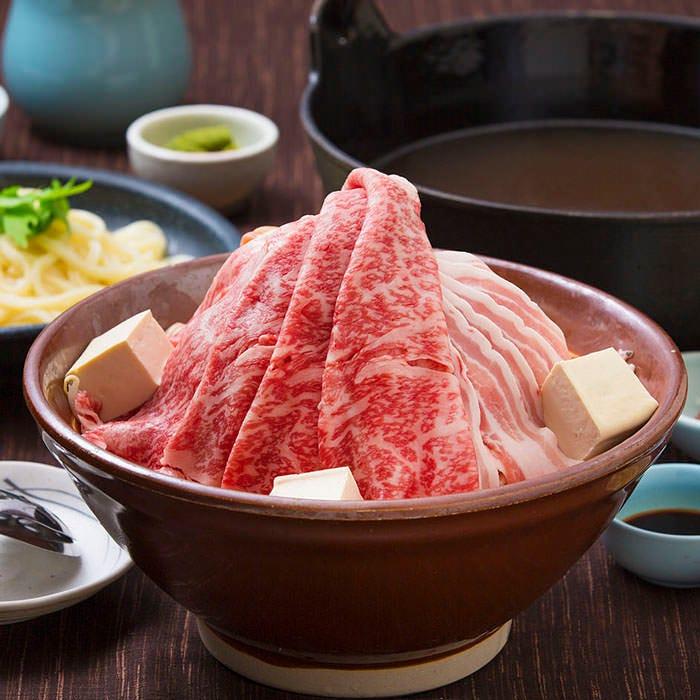 『肉ちゃんこ鍋』はボリューム満点!