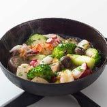 池袋限定の「mediアヒージョ」海の幸と野菜がたっぷり入ってます
