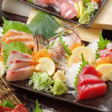 刺身や焼き物など多彩な海鮮料理