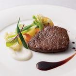 お肉料理のグレードアップ「牛フィレ肉 or 国産牛フィレ肉のポアレ」