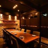 ご宴会にも最適な個室。最大で36名様まで着席可能です。