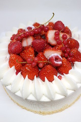 ☆アニバーサリーホールケーキ☆お祝い・誕生日・記念日に☆(3日前までに要予約)