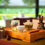 中国茶でほっと一息。ゆったりとした時間をお過ごしください。