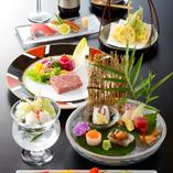 旬の魚介や野菜など、厳選した食材を用いたお料理を提供します。