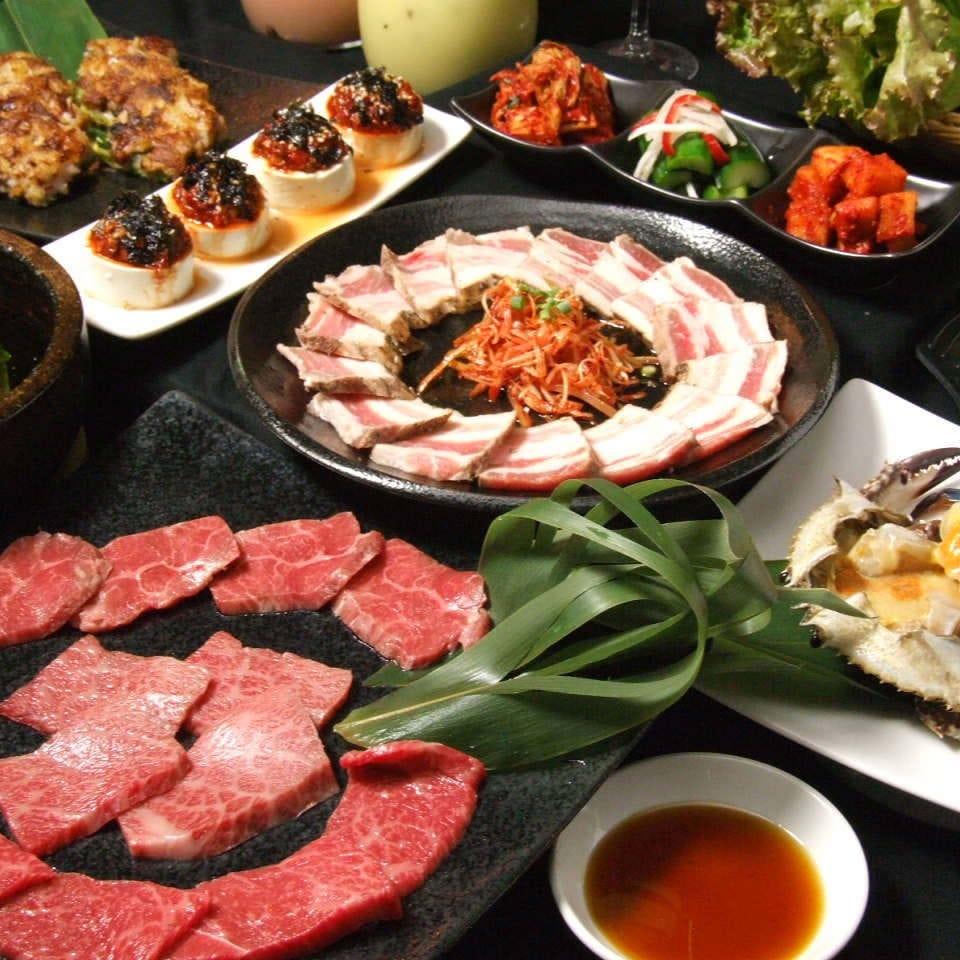 各店自慢の料理が目白押しのコースでワイワイ楽しい宴会