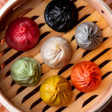 レインボー小龍包(台湾/蟹味噌/エビと枝豆/白身魚/牛肉とチーズ/ラム肉とパクチー/上海カレー)