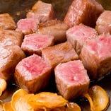ニンニクとステーキの組み合わせ