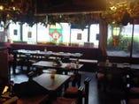 ドイツの雰囲気と下町のテイストがマッチした店内