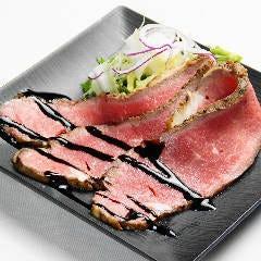 ◆ウチに来たら絶対コレ食べて「その①」◆ ~じっくり低温調理 黒毛和牛ローストビーフ~