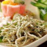 諸胡/卵ポテトサラダ/揚蕎麦の3点盛り