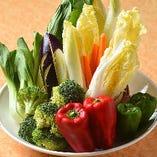 新鮮な国内産野菜を使っています