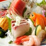 豊洲市場より仕入れる新鮮な鮮魚