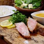 1日限定10食★宮崎県産『霧島黒豚』のステーキ