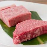 黒毛和牛ヒレステーキと黒毛和牛サーロインステーキ