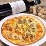 ハラペーニョとひき肉のチーズピザ
