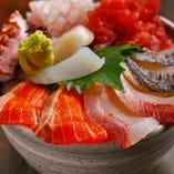 漁港直送の新鮮な魚介を 使った多種多彩な海鮮料理