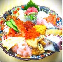 新鮮な魚介類と大ボリューム!