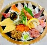 鮮魚の海鮮どんぶり 多数ございます☆写真は【極上日替わり丼】