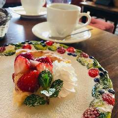 越谷カフェ バーグマン