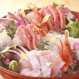 市場直送で鮮度抜群!日本海の魅力をたっぷりとお届けいたします