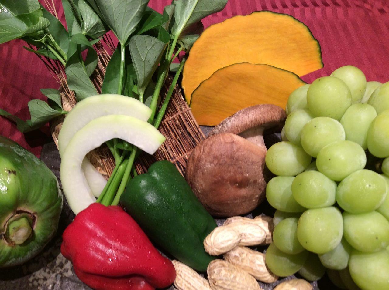 宮崎産の新鮮な野菜やフルーツを使用