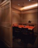 個室は、大小9部屋ご用意 人数に合わせてご利用ください